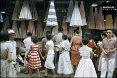 These rare color photos of the Philippines were shot in the and they're amazing Philippines Fashion, Philippines Culture, Old Photos, Vintage Photos, Body Painting Festival, President Of The Philippines, Filipino Culture, Retro Images, Pinoy