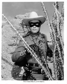 The The Lone Ranger Fan Club is your connection to the Masked Man and his faithful Indian companion Tonto. Return with us to those thrilling days of yesteryear. The Lone Ranger Rides again! Classic Tv, Classic Films, Picture Movie, Movie Tv, Clayton Moore, The Lone Ranger, Tv Westerns, Football Outfits, Masked Man