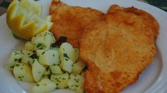 This recipe creates tender chicken with a lovely golden coating and it is delicious with mashed, boiled or fried potatoes. Schnitzel Recipes, Chicken Schnitzel, Veal Recipes, Fish Recipes, Cooking Recipes, Veal Schnitzel, Potato Recipes, Recipies, Delicious Cake Recipes