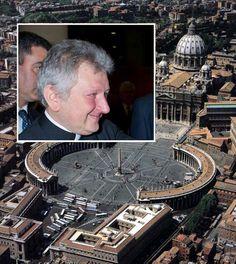 Escándalo en El Vaticano: revelan relación gay entre alto sacerdote y capitán de guardia suiza.