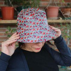 Sombreros - Sombrero impermeable - Amapolas - hecho a mano por LoLahn-Handmade en DaWanda