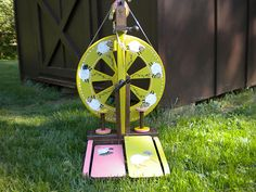Ashford Kiwi spinning wheel - LOVE how this person decorated theirs!