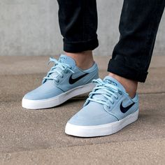 ec9d4328a7ae Nike SB Zoom Janoski Canvas