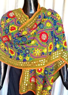 This stunning semi georgette phulkari dupatta/stole is embroidered with wool in the karachi jaal work pattern, with little flat sequins stitched in at intervals. A great accessory for any look, any dress - See more at: http://www.giftpiper.com/Georgette-Phulkari-Dupatta-Stole-Olive-Green-id-803643.html. Also see our gorgeous dupatta collection at http://www.giftpiper.com/Stoles-Dupattas-catid-36678-page-1.html