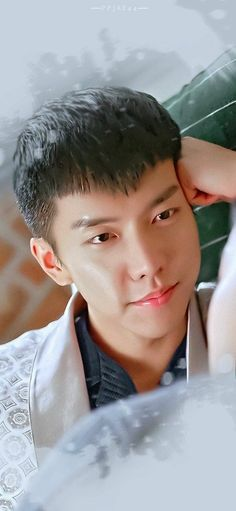 He is totaly gorgeous, totally handsome. More movies and kdrama as mature role. A total performer Lee Seung Gi, Lee Hyun, Lee Jong Suk, Oh Yeon Seo, Handsome Actors, Cute Actors, Asian Actors, Korean Actors, Top Korean Dramas