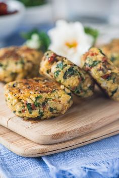 This recipe for Italian Quinoa Protein Patties makes eating healthy <em>  so </em> easy and <em>  unbelievably </em> delicious! Each patty is under 80 calories, packed with fiber and protein, and low carb!   This recipe is one of those cooking experiments where you aren't reaaaaalllly expecting too much out of them, but they turn out phenomenal. You see, I'm in the middle ground when it comes to quinoa. I picture...