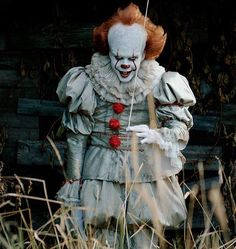 """horrorfixxx: """"It -- ref for a Pennywise look Penny Wise Clown, Scary Movies, Horror Movies, Good Movies, Gruseliger Clown, Creepy Clown, Arte Horror, Horror Art, Clown Horror"""