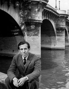 En octubre de 1960 regresó a Francia. En París trabajó como traductor y redactor de la agencia France Presse (1962-72). En 1972 fue nombrado agregado cultural peruano en París y delegado adjunto ante la UNESCO, y posteriormente ministro consejero, hasta llegar al cargo de embajador peruano ante la UNESCO (1986-90).