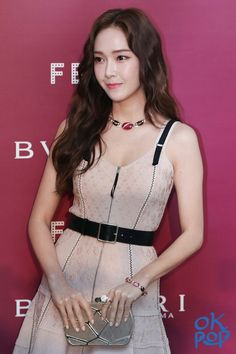 Jessica & Krystal, Krystal Jung, Korean Beauty Girls, Asian Beauty, Asian Woman, Asian Girl, Asian Ladies, Jessica Jung Fashion, Kim Hyoyeon