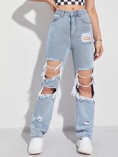Cute Ripped Jeans, Ripped Jeans Outfit, Moda Streetwear, Streetwear Fashion, Estilo Tomboy, Boyfriend Jeans Outfit, Diy Summer Clothes, High Waisted Mom Jeans, Pants For Women