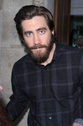 Jake Gyllenhaal even looks hot with a beard