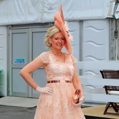 itv - lorraine - Pretty in peach. We love the mix of metallic and lace