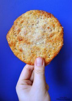 Crispy Spanish Sesame and Green Anise Biscuits Beignets, Desserts Espagnols, Biscuits Croustillants, Desserts Around The World, Vegan Kitchen, Biscuit Cookies, Biscotti, Crackers, Cupcake Cakes
