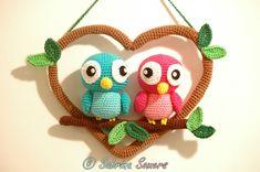 Een haakpatroon van twee vogels in een hart. Leuk voor Valentijnsdag. Lees meer over het patroon van de vogels op haakinformatie.nl