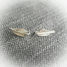 Check out this item in my Etsy shop https://www.etsy.com/listing/494789232/feather-sterling-silver-threader
