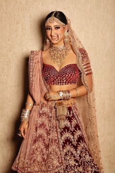 If your getting hitched sooner and seek for designer bridal blouse designs then this post is meant for you. We have hand picked for you some of best blouse designs that you can flaunt on at your D-day parties. . . . #blouse #blousedesigns #designerblouse #bridalblouse #brides #indianbride #weddingdress #blouselehenga #shaadidukaan Simple Blouse Designs, Stylish Blouse Design, Blouse Back Neck Designs, Bridal Blouse Designs, Lehenga Choli Online, Lehenga Blouse, Lehnga Dress, Photo New, Anita Dongre