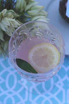grapefruit & pink apple drink with lemon and mint