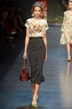 Dolce & Gabbana Spring 2014 RTW - Runway Photos - Fashion Week - Runway, Fashion Shows and Collections - Vogue Look Fashion, Runway Fashion, High Fashion, Fashion Show, Womens Fashion, Fashion Trends, Milan Fashion, Fashion Black, Trendy Fashion
