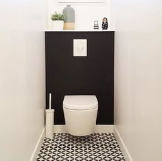 Although it is possible to effectively finish a bathroom renovating task without any previous experience, you might discover it a bit challenging to do so. That is why if you are aiming to perform your own bathroom improvement, however you don' Small Toilet Room, Guest Toilet, Downstairs Toilet, Tiny Bathrooms, Small Bathroom, Bathroom Ideas, Modern Bathrooms, Bathroom Designs, Toilette Design
