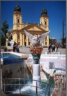Debrecen, Hungary I wanna go backkkk! Hungary Travel, Free Travel, Travel Tips, Heart Of Europe, Most Beautiful Cities, Central Europe, Budapest Hungary, Eastern Europe, Trip Planning