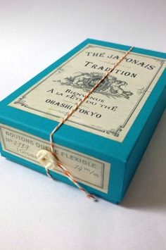 Oha-shi Japanese tea box wrapped in twine & vintage button~ Photo By 花蝶