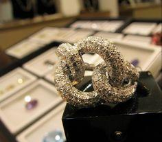 Anel de diamantes elos