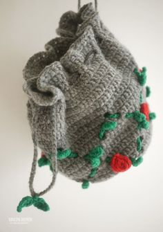 얼마전에 도일리때문에 구입한 책에있는 넝쿨타고 장미꽃 주렁주렁 피어있는 조리개파우치~ 마냥조은 그레... Needle And Thread, Diy And Crafts, Winter Hats, Knitting, Crochet, Zero Waste, Fashion, Purse, Knit Bag