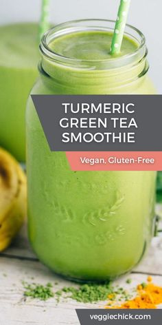 Turmeric Green Tea Smoothie (Vegan, Gluten Free) – Veggie Chick Refreshing Turmeric Green Tea Smoothie, made with matcha green tea powder and packed with healthy ingredients. It's super easy to make in your blender! Fruit Smoothies, Green Smoothie Recipes, Healthy Smoothies, Healthy Drinks, Strawberry Smoothie, Green Tea Recipes, Green Smoothie Vegan, Spinach Smoothies, Super Green Smoothie