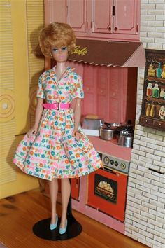 """1965 - Vintage Barbie outfit """"Barbie Learns to Cook!"""" #1634"""
