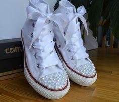 Benutzerdefinierte Converse Schuhe mit weißen Perlen von BeressyArt