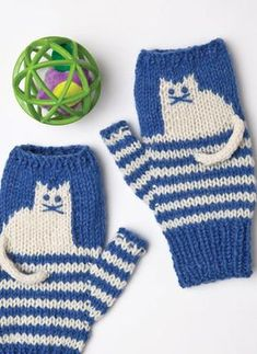 Pattern #22 Cat-Motif Mitts