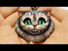 Polymer clay tutorial - Cheshire Cat - Part 1 - OMG, in part 2 she puts in the teeth.we are not taking polymer clay seriously enough! This gal is amazing. Polymer Clay Cat, Polymer Clay Kunst, Polymer Clay Figures, Polymer Clay Projects, Polymer Clay Charms, Polymer Clay Creations, Polymer Clay Jewelry, Clay Crafts, Biscuit