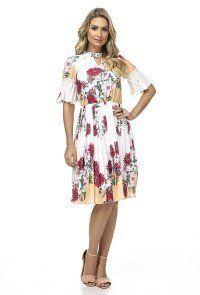 f1347b4cbe Jany Pim Estilo Para Mulheres Sofisticadas Moda Evangélica. modelo cabelo  loiro veste vestido branco ...