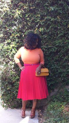 "crop top, with vintage pleated skirt<3 #curvy ""if you follow my Curvy Girl's Spring/Summer Closet, make sure to follow my Curvy Girl's Fall/Winter Closet."" http://pinterest.com/blessedmommyd/curvy-girls-fallwinter-closet/"
