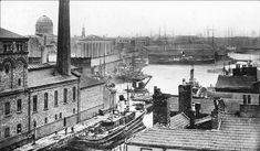Nova Scotia (Mann Island) 1924 looking towards Canning Dock. Liverpool Waterfront, Liverpool Town, Liverpool Docks, Liverpool History, Old Pictures, Old Photos, Nova Scotia, Island, World