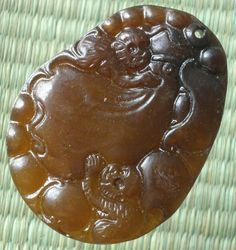 Chinese Old Jade Hand Carved Folk Twin Monkey Calabash Peach Pendant BH33 Gift