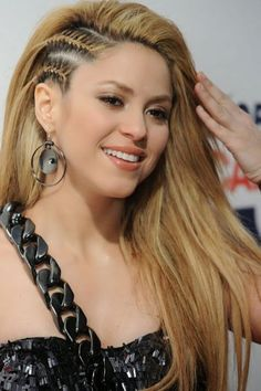 100 Side Braid hairstyles for long hair for stylish ladies in 2018 - New Trend Hair Styles Pretty Braided Hairstyles, Open Hairstyles, Braided Ponytail Hairstyles, Straight Hairstyles, Hairstyle Braid, Hairstyles Pictures, Layered Hairstyles, Latest Hairstyles, Shakira Hair