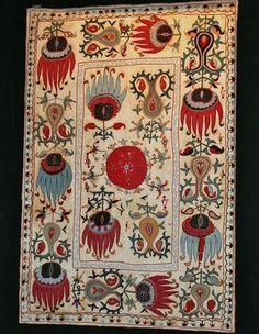 Antique uzbek suzani, very rare design, silk embroidery, 19th c. Central Asia.