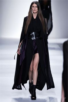 #moda Photos and comments to know the collection, the outfits and accessories of Ann Demeulemeester Spring Summer 2013 Collections presented for
