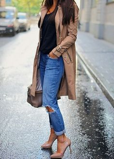 Nude pumps with trench coat