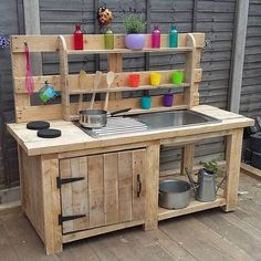 , Top 14 Mud Kitchen Ideas for Kids on Sensod - Sensod - Create. , Top 14 Mud Kitchen Ideas for Kids on Sensod - Sensod - Create. Outdoor Play Kitchen, Diy Mud Kitchen, Mud Kitchen For Kids, Kids Outdoor Play, Outdoor Play Areas, Backyard For Kids, Diy For Kids, Kitchen Ideas, Kitchen Trends