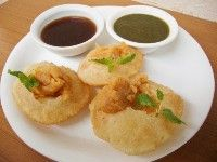 Spice your Life: Pani Puri / Gol Gappe - Indian Cooking Challenge for May ~ Step By Step Recipe! Indian Snacks, Indian Food Recipes, Vegetarian Recipes, Ethnic Recipes, Pani Puri Recipe, Chats Recipe, Puri Recipes, Cooking Challenge, Taste Made