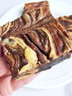 Try my Best Ever Cheesecake Peanut Butter Swirl Brownies for the best brownie recipe! Make with a fudge brownie box, peanut butter, and sweet cream cheese! Cheesecake Swirl Brownies, Peanut Butter Swirl Brownies, Peanut Butter Cheesecake, Cookie Brownies, Cookie Bars, Hot Fudge Cake, Hot Chocolate Fudge, Strudel, Party Desserts