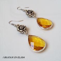 "Yellow crystals in my new collection ""Preziosa"": discover it on my etsy shop!   #earrings #yellow #yellowearrings #elegantearrings #ibijouxdielisa #handmade #artigianato #jewels #jewel #bijoux #costumejewelry #drop #rose #roses #orecchini #etsy #etsyseller #etsyshop #etsystore"