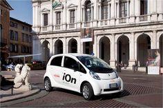 Peugeot iOn 100% elettrica, Piazza Vecchia @Bergamo Alta  | Peugeot iOn 100% electric @ Bergamo Upper Town, Italy