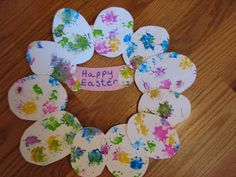 East Wreath Art & Craft Activity:To create the wreath we used: Dandelions, paint, poster board (or paper), paper plate, scissor and glue. Age appropriate for pre-k, preschool, toddler, kindergarten.