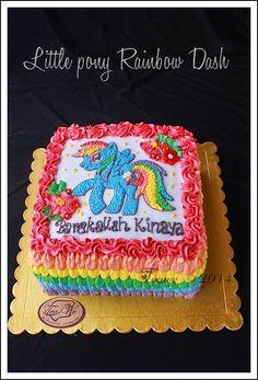 Little pony Rainbow Dash Cake Rainbow Dash Birthday, Rainbow Dash Party, My Little Pony Birthday Party, 2 Birthday Cake, Girl Birthday, My Little Pony Unicorn, My Little Pony Cake, Fancy Cakes, Matilda