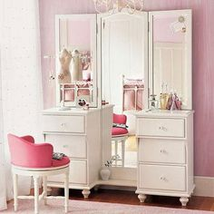 Modern interior decorating ideas blend traditions with contemporary comfort and functionality Dresser With Full Length Mirror, Dressing Table With Full Length Mirror, Small Master Closet, Shabby Chic, Beauty Room, House Rooms, Modern Bedroom, Girl Room, Room Inspiration
