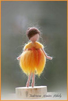 Waldorf Crafts, Waldorf Dolls, Jumper Knitting Pattern, Knitting Patterns, Felt Fairy, Felt Toys, Doll Patterns, Needle Felting, Wool Felt