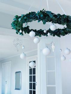 Photo only - green wreath, styrofoam snowballs, ornaments. Diy Christmas Decorations, Xmas Wreaths, Christmas Crafts, Holiday Decor, Christmas Ornament, Green Christmas, Winter Christmas, All Things Christmas, Merry Christmas